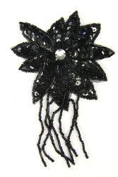 Blüte mit Perlenschnur schwarz ca. 8x13cm